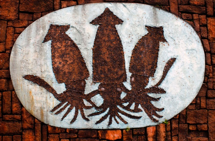 Squids are proudly worked into the city's decorative infrastructure.