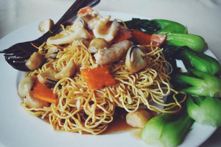 Seafood noodles.