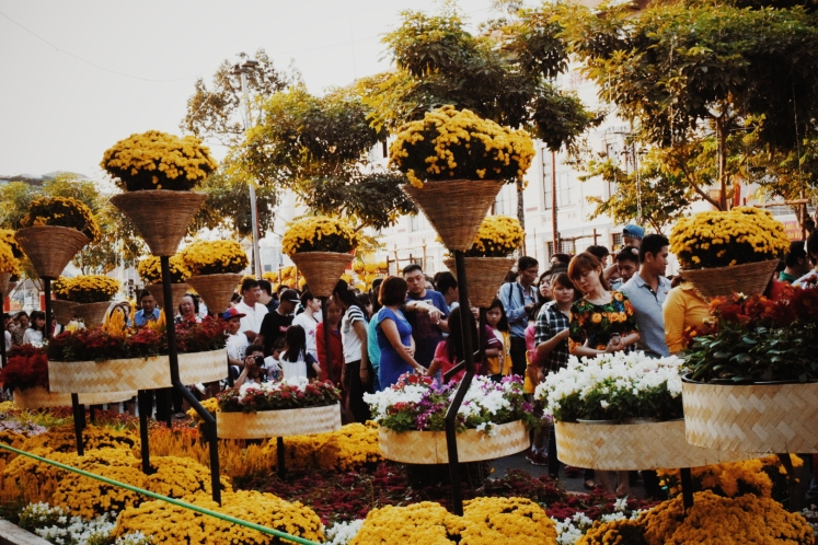 I don't know which there were more of: people or flowers.
