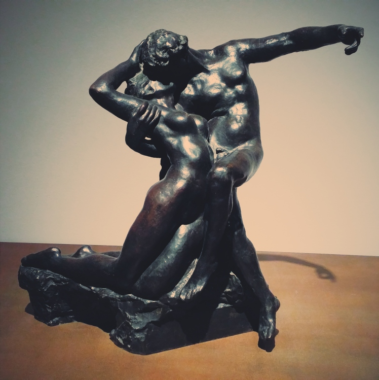 A kiss between lovers, poetry in sculpture.