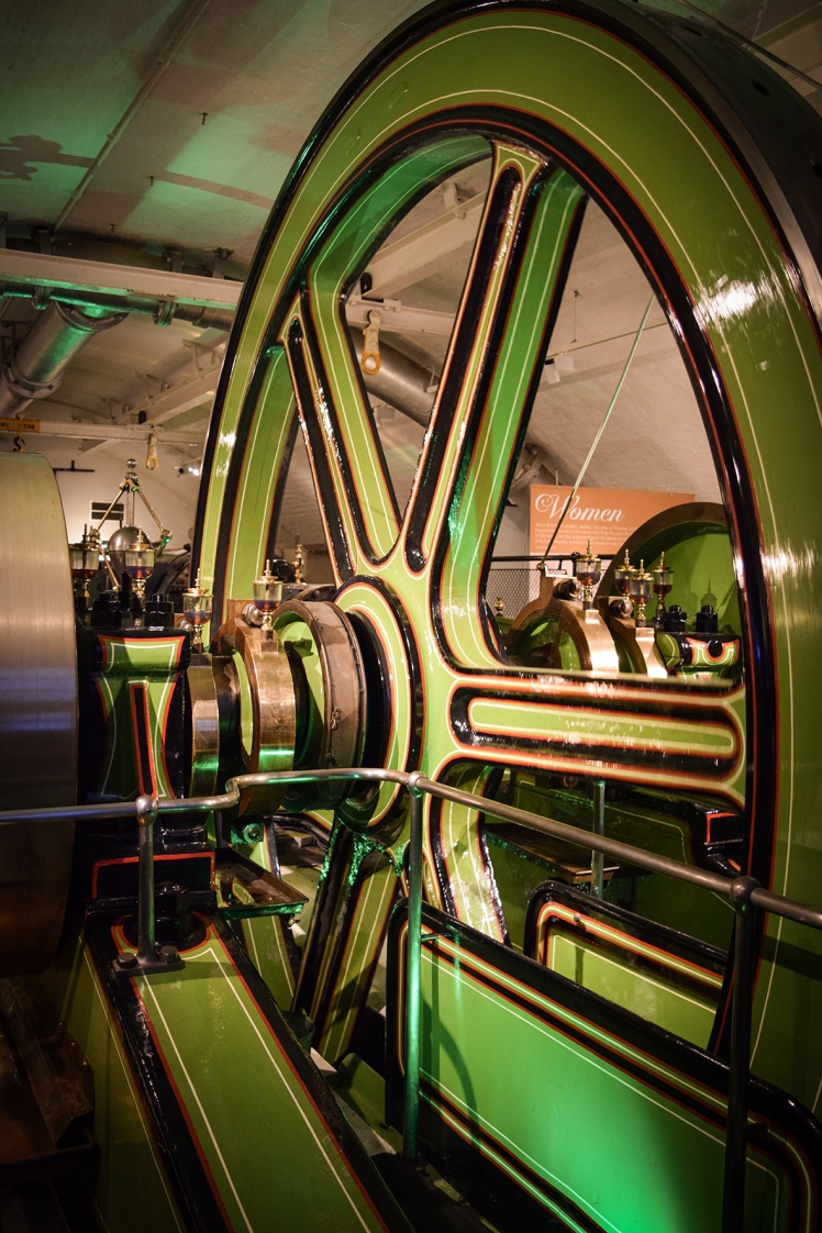 2016 London January Tower Bridge Engine Gears small
