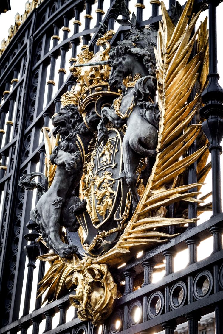 2016 London January Buckingham Palace Gate Crest Detail small