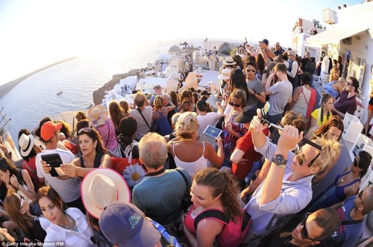 Santorini Reality. Photo Credit: Daily Mail.